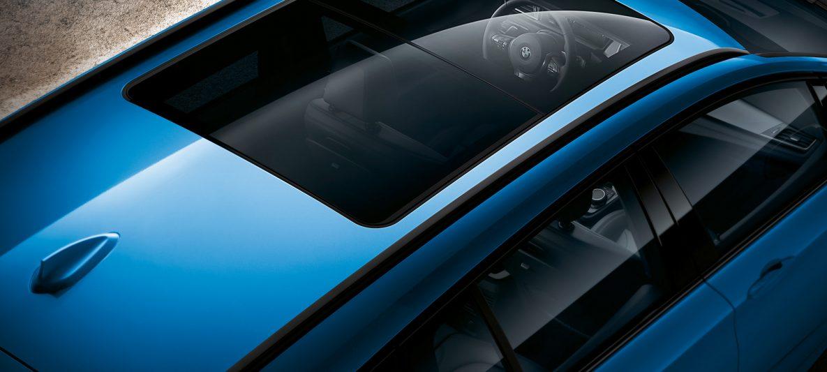 Panorama-Glasdach BMW 2er Gran Tourer F46 Facelift 2018 Estoril Blau metallic Vogelperspektive